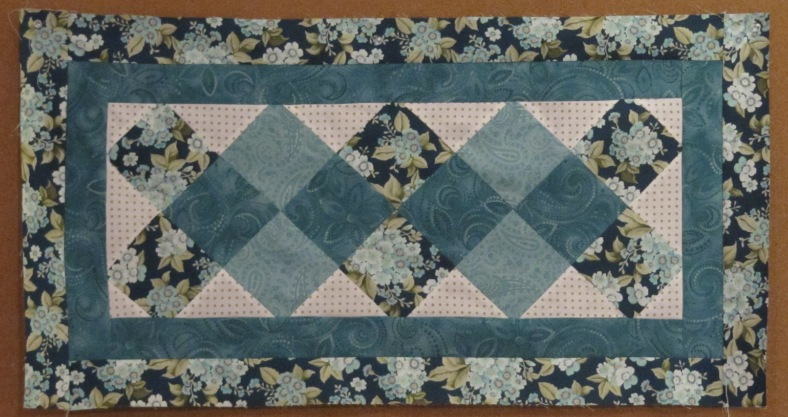 Free Quilt Patterns Table Runners Download : Happy New Year and a Free Table Runner Pattern! - Days Filled With Joy